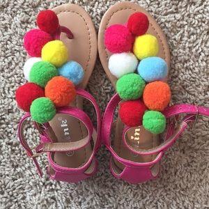 Size 10 Adorable PomPom Sandals